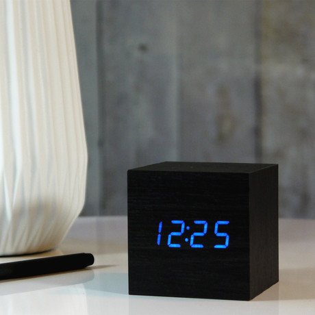 Cube Click Clock // Black (White LED)