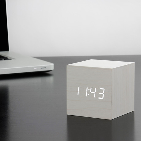 Cube Click Clock // White